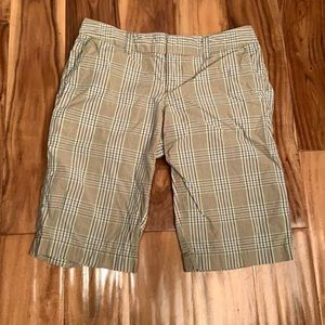 American eagle outfitters Bermuda plaid shorts